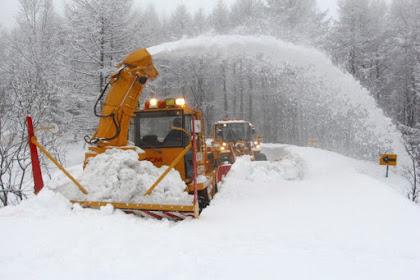 乗鞍スカイライン除雪作業