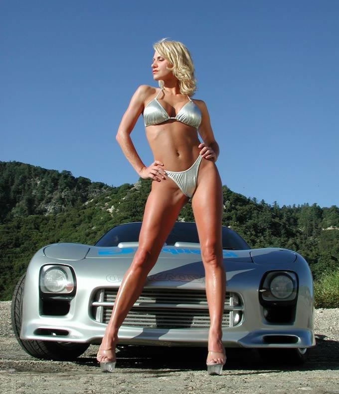Auto Zone For Speed Lovers: Gorgeous Girls With Gorgeous
