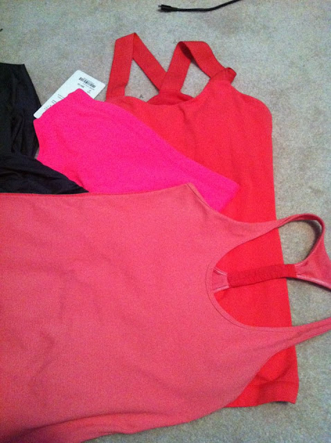 comparison of lululemon colors flash and passion