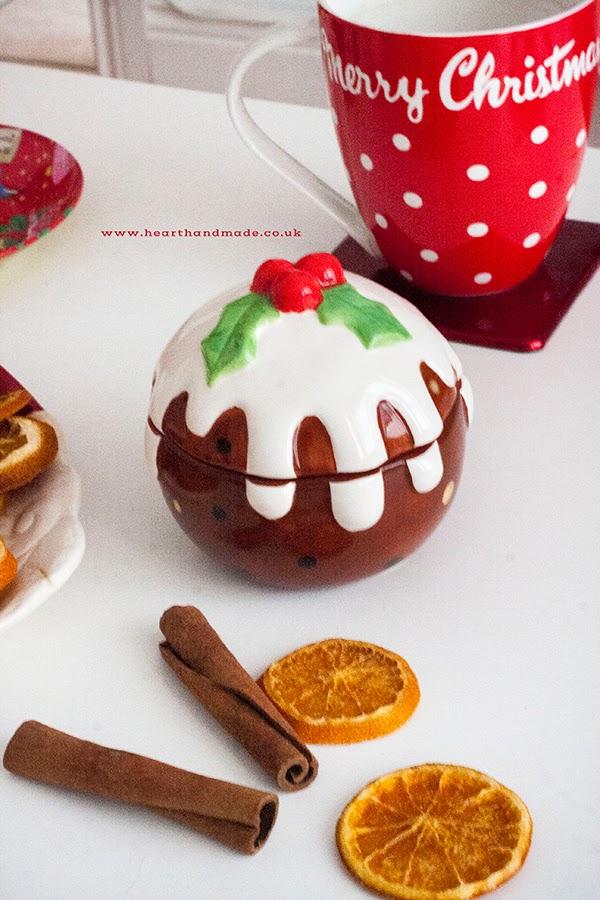 Little christmas pudding trinket box