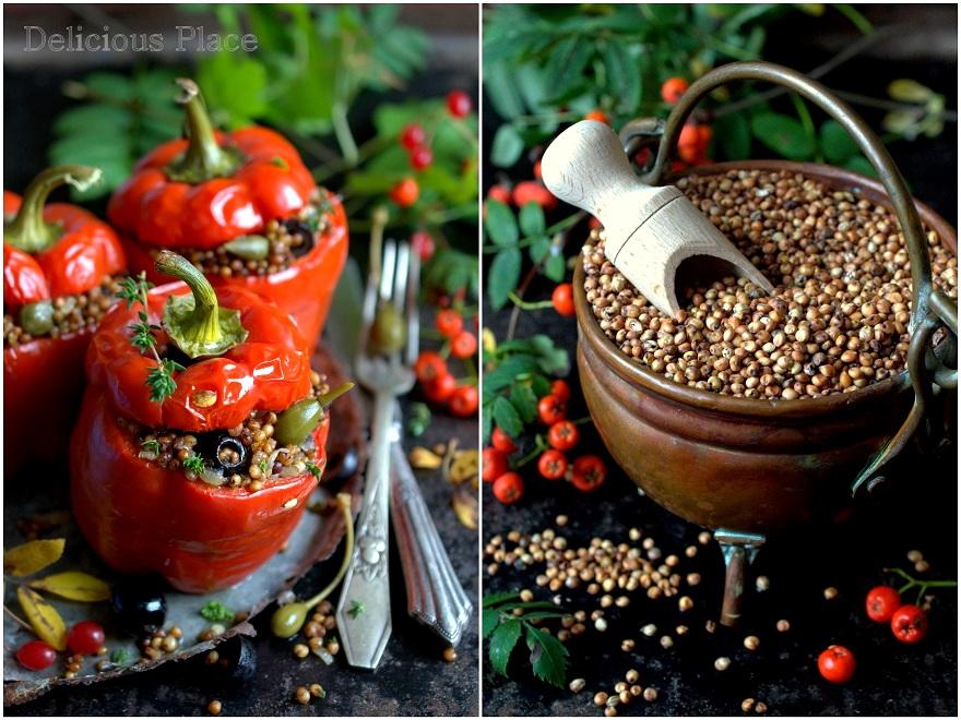 Papryka faszerowana sorgiem i owocami kaparów