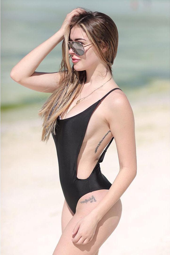 daiana menezes sexy bikini photos