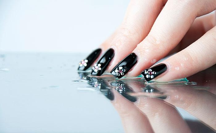 Nails Art: Water Droplets Nail Art