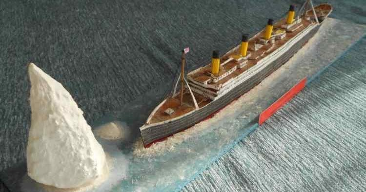 sinking titanic essays The sinking of the rms titanic by ivah steenwyk this is the rms titanic leaving its first port it all started on a summer night in 1907.