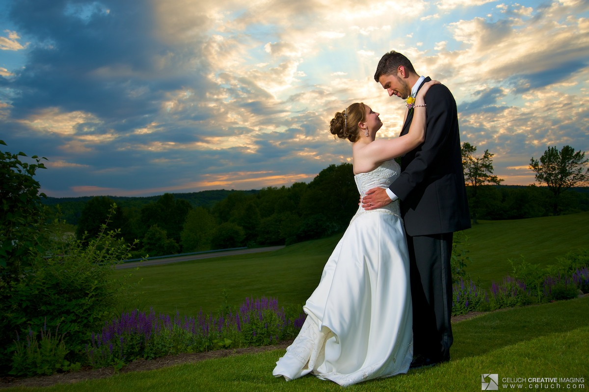 Wedding Photography Styles Explained: Wallpapers Background: Wedding Photography