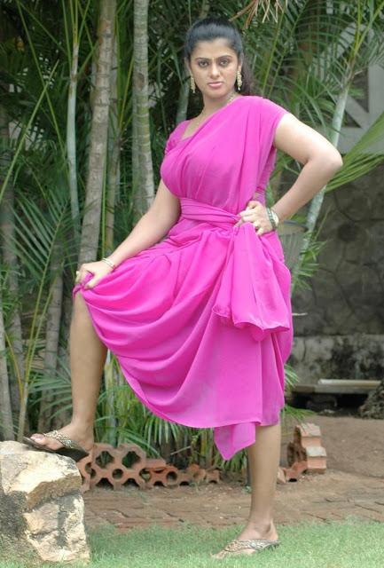 Indian Aunties And Girls Aunties And Actress Saree Uplift -7044