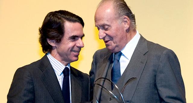 El rey Juan Carlos encargó a Aznar un estudio para su abdicación y así evitar un debate sobre república o monarquía