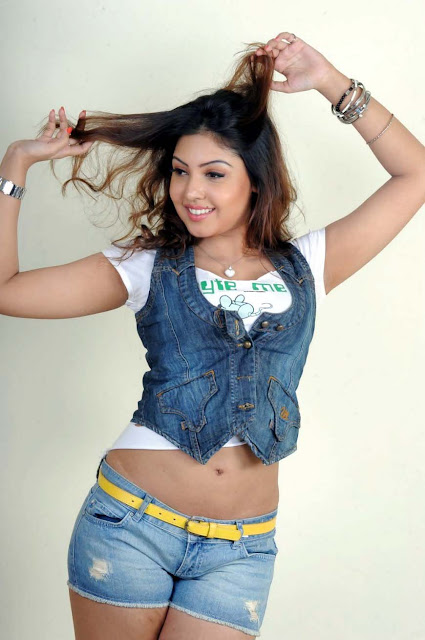 Komal Jha 2017 Pictures