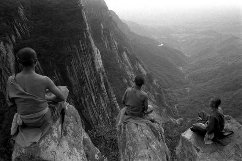 shavolin monks still mind when meditating