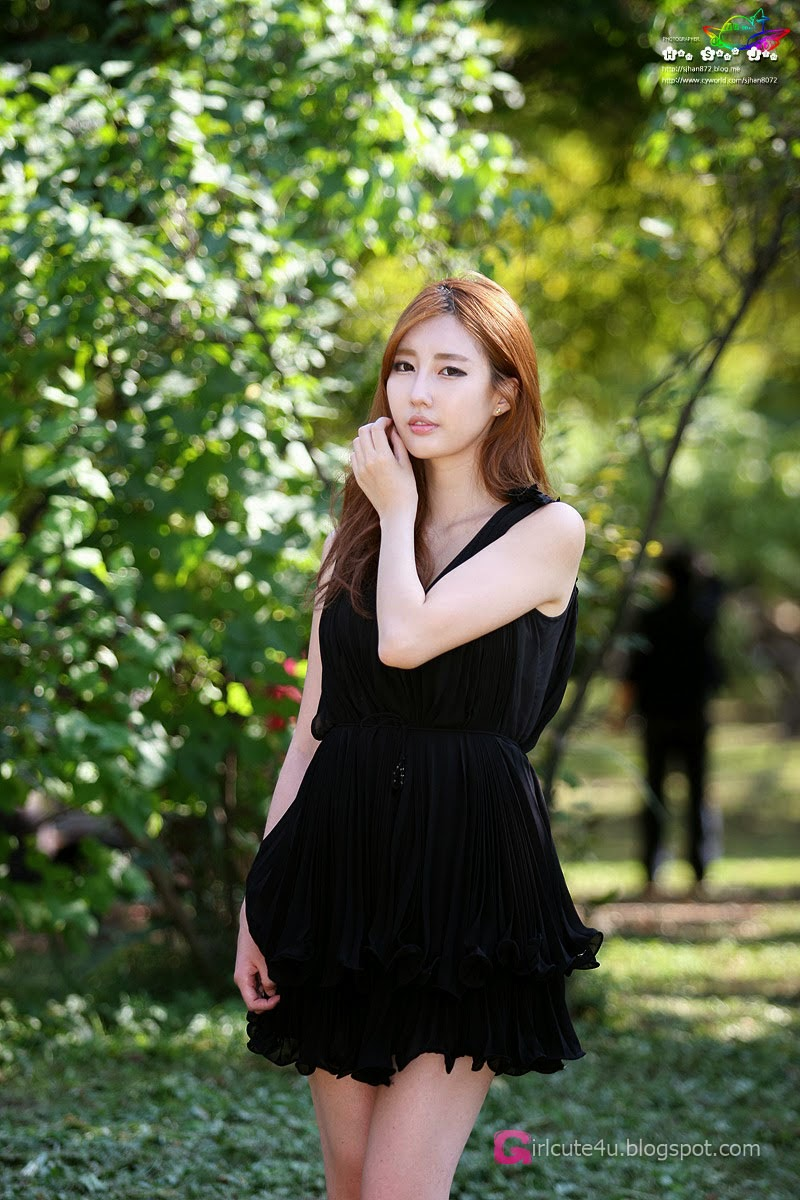 Shin Se Ha outdoors ~ Cute Girl - Asian Girl