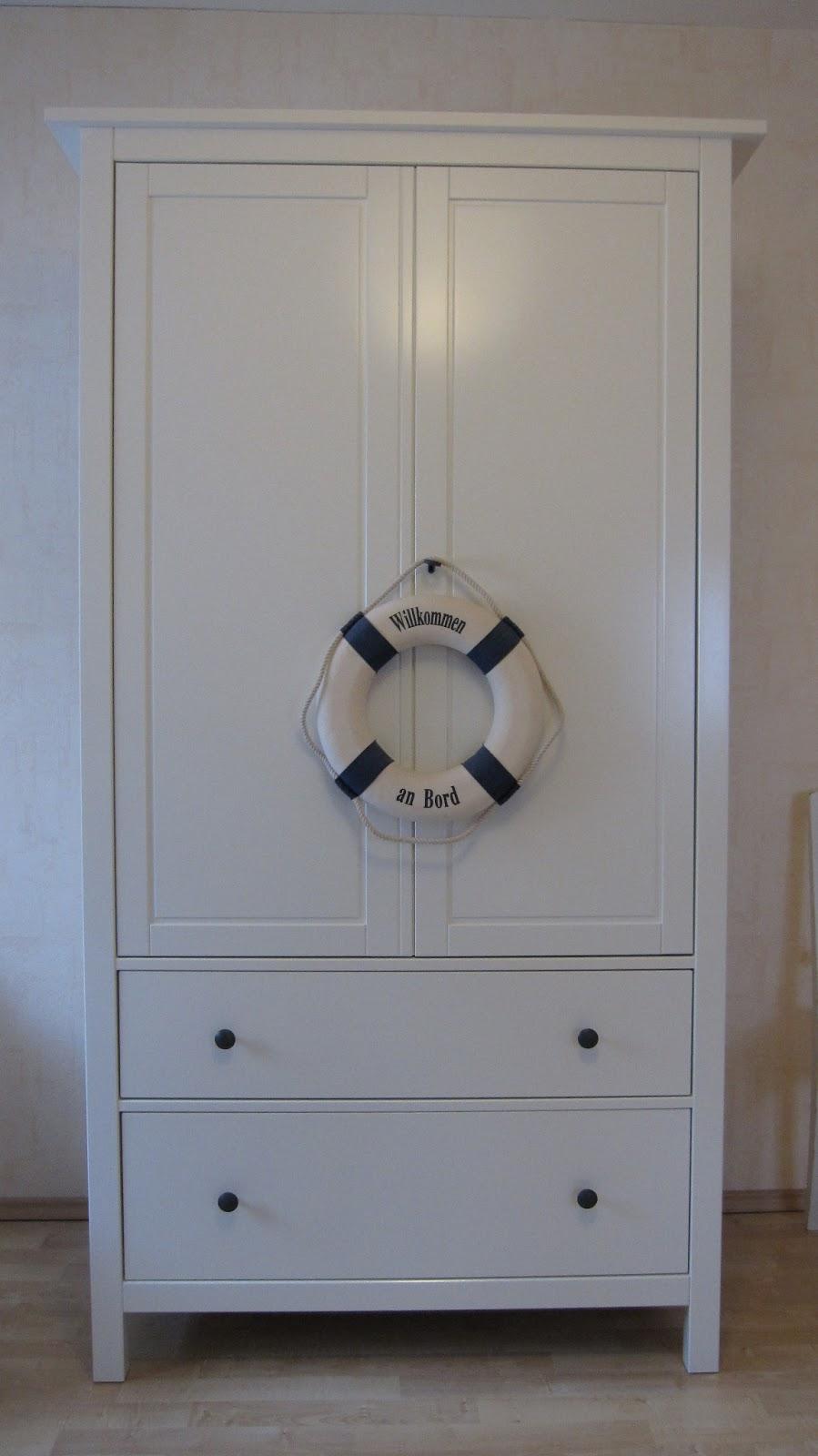 kleines gelbes haus hemnes kleiderschrank. Black Bedroom Furniture Sets. Home Design Ideas