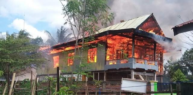 lagi, Diduga Karena Arus Pendek Listrik, Api Berkobar di Ganra