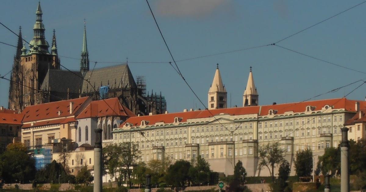 Exposiciones Tickets Cómo Llegar: Praga En Español: El Castillo De Praga (II); Los Tickets