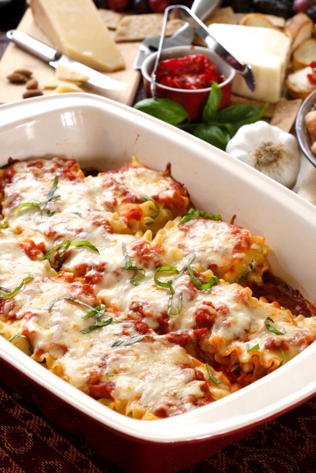 Asiago and Artichoke Lasagna Rolls | thetwobiteclub.com | #MyTuscanTable #Ad