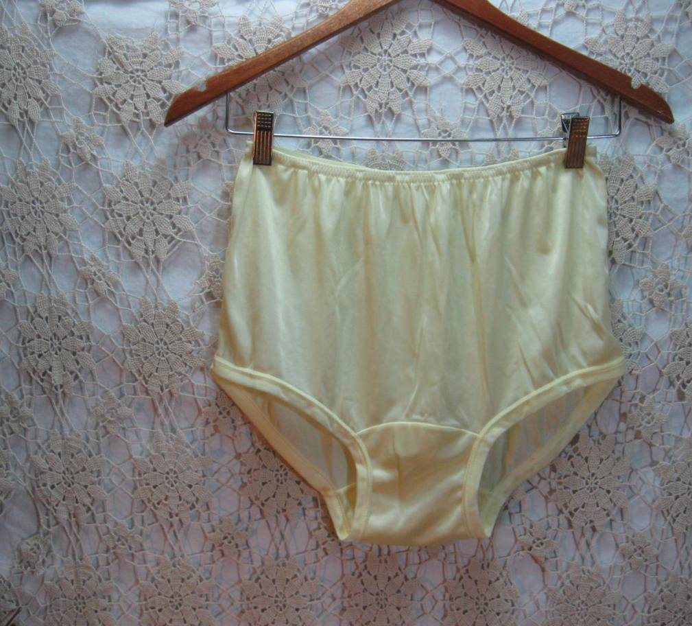 Funkoma Vintage The Recycled Life Good Underwear Is How