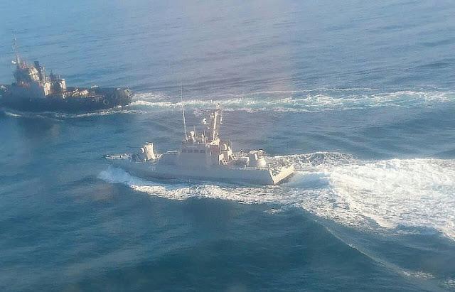 Окупанти відбуксирували захоплені українські кораблі в Керч