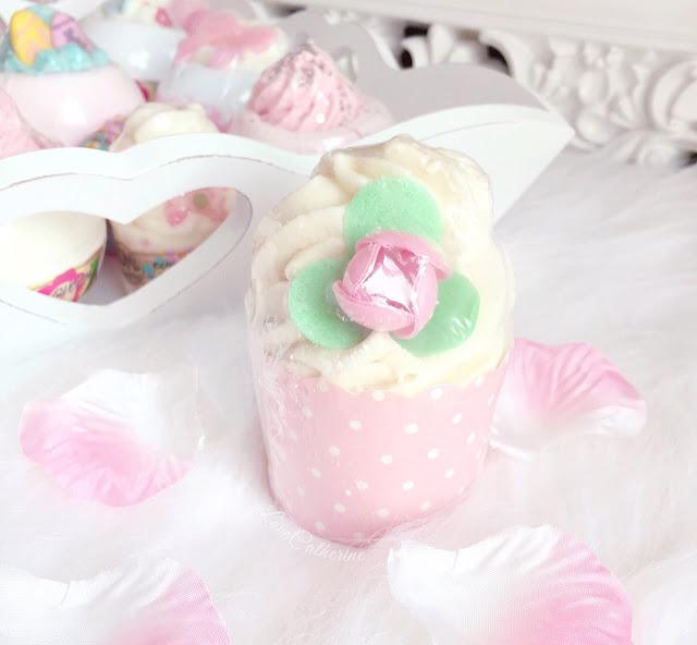 Bomb Cosmetics | Pink Polka Cocoa Swirl