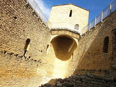Interior del Castell de Mur