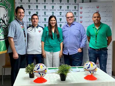 St. Patrick School y DV7 Soccer Academy RD firman intercambio deportivo histórico para desarrollo del fútbol en beneficio de sus estudiantes.