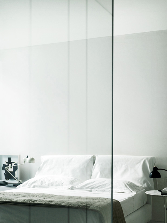 Soothing minimalist bedrooms for a simple life | Image by Tommaso Sartori