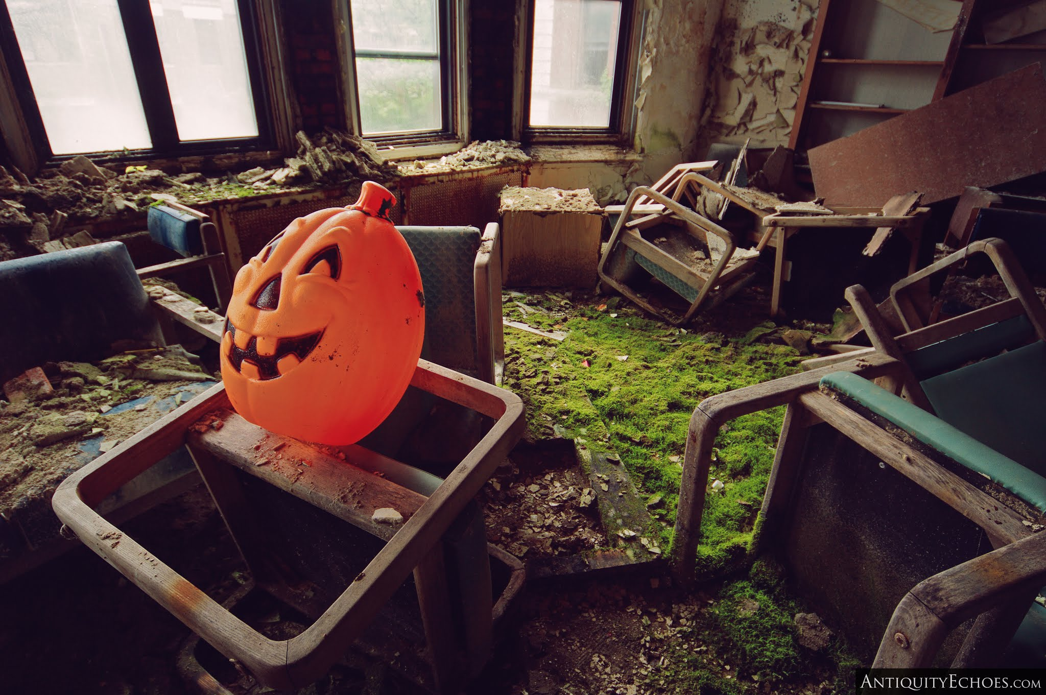 Overbrook Asylum - Halloween Decor Amidst Ruin