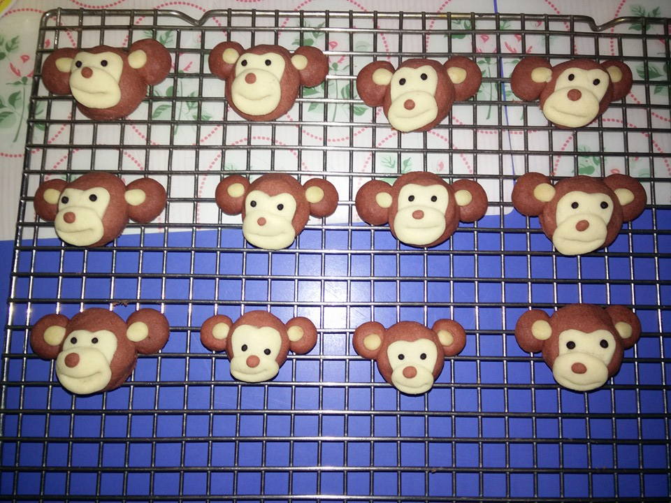 Plate & Palate : Monkeys Crunchy Melt in Mouth Pineapple