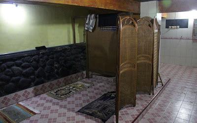 Tempat Sallat di Kedai Assalamu'alaikum