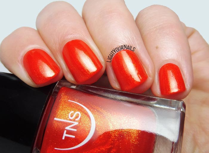 Smalto arancione TNS Cosmetics Firenze 541 Calipso (Lungomare 2018) orange nail polish