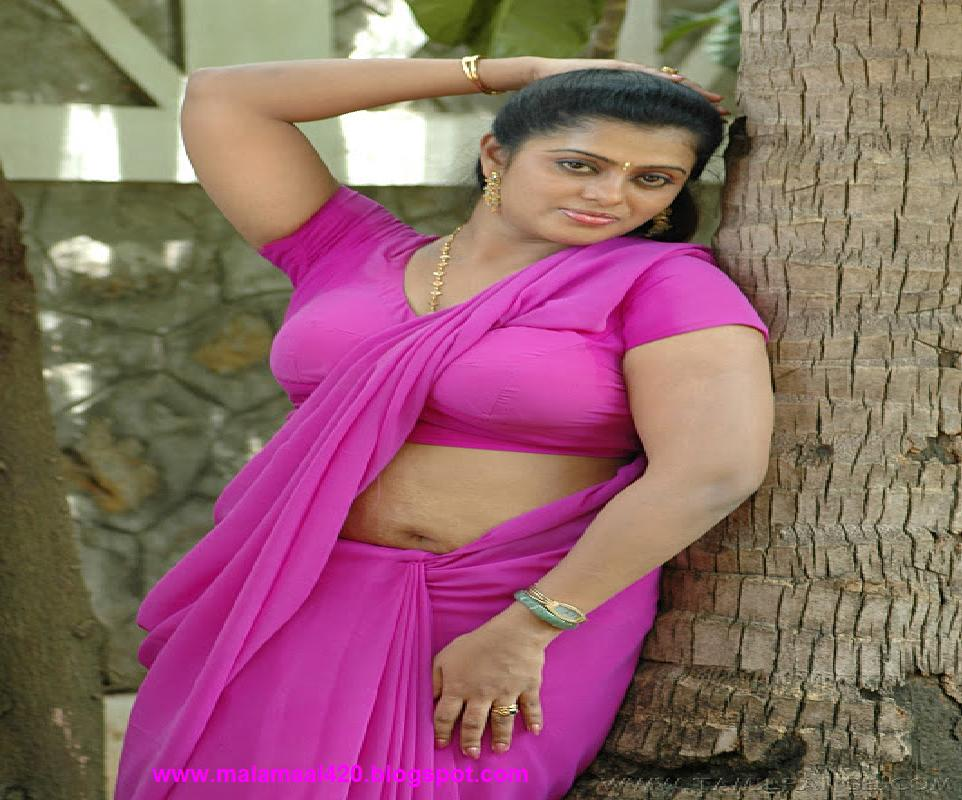 Mallu Aunty In Pink Blouse Hot Boobs Hot Pictures  Hot -5614