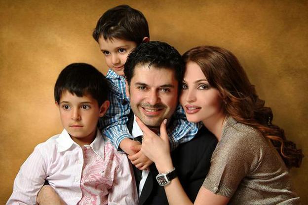 أخبار اليوم: صور نجوم الفن العرب مع زوجاتهم.. زوجة حماد ...
