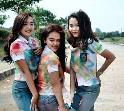 Foto Hot Gadis SMK Toket Dan Paha Mulus Setelah Ngerayain Kelulusanya1