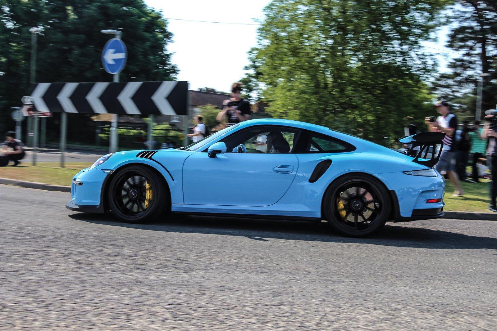 911, siêu phẩm huyền thoại một thời của Porsche xuất hiện với nhiều biến thể