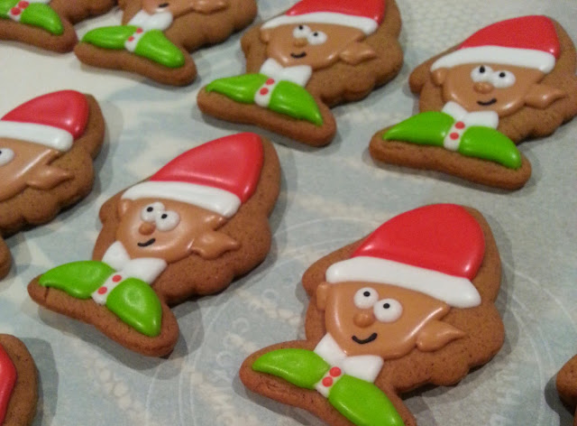 How to make an elf cookie with a wilton fish cookie cutter
