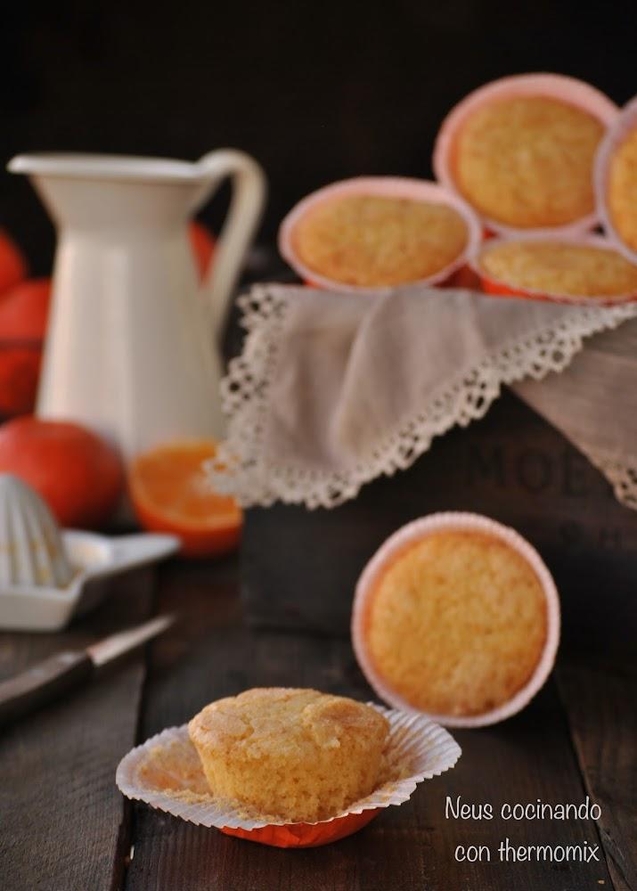 Neus cocinando con thermomix magdalenas de mandarina for Cocinando 1000 huevos