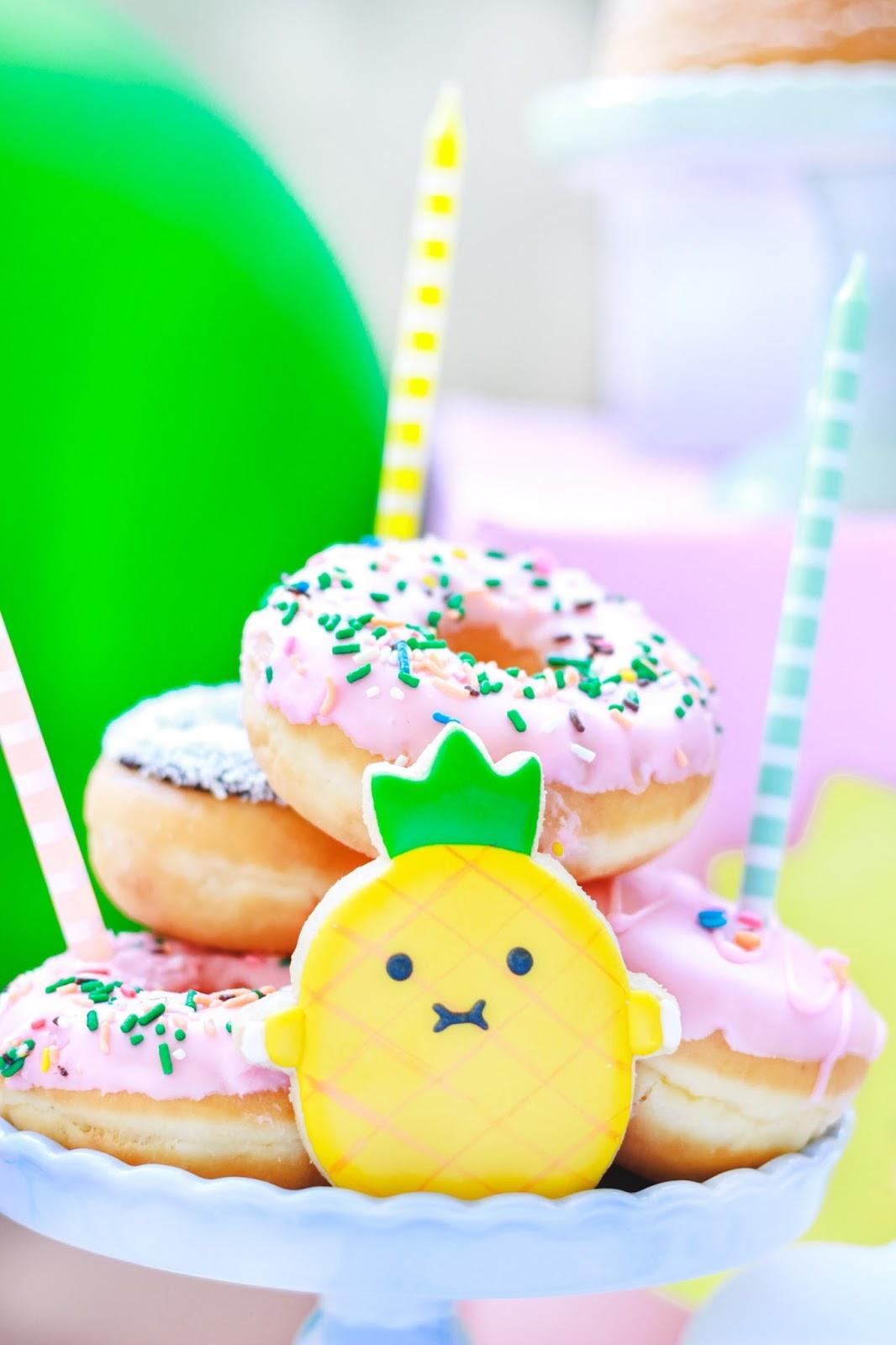 donuts decoração festa infantil para cachorro colorida e barata com donuts tema noodoll