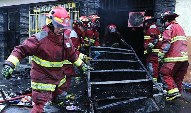 En Rimac, incendio dejó ocho viviendas afectadas