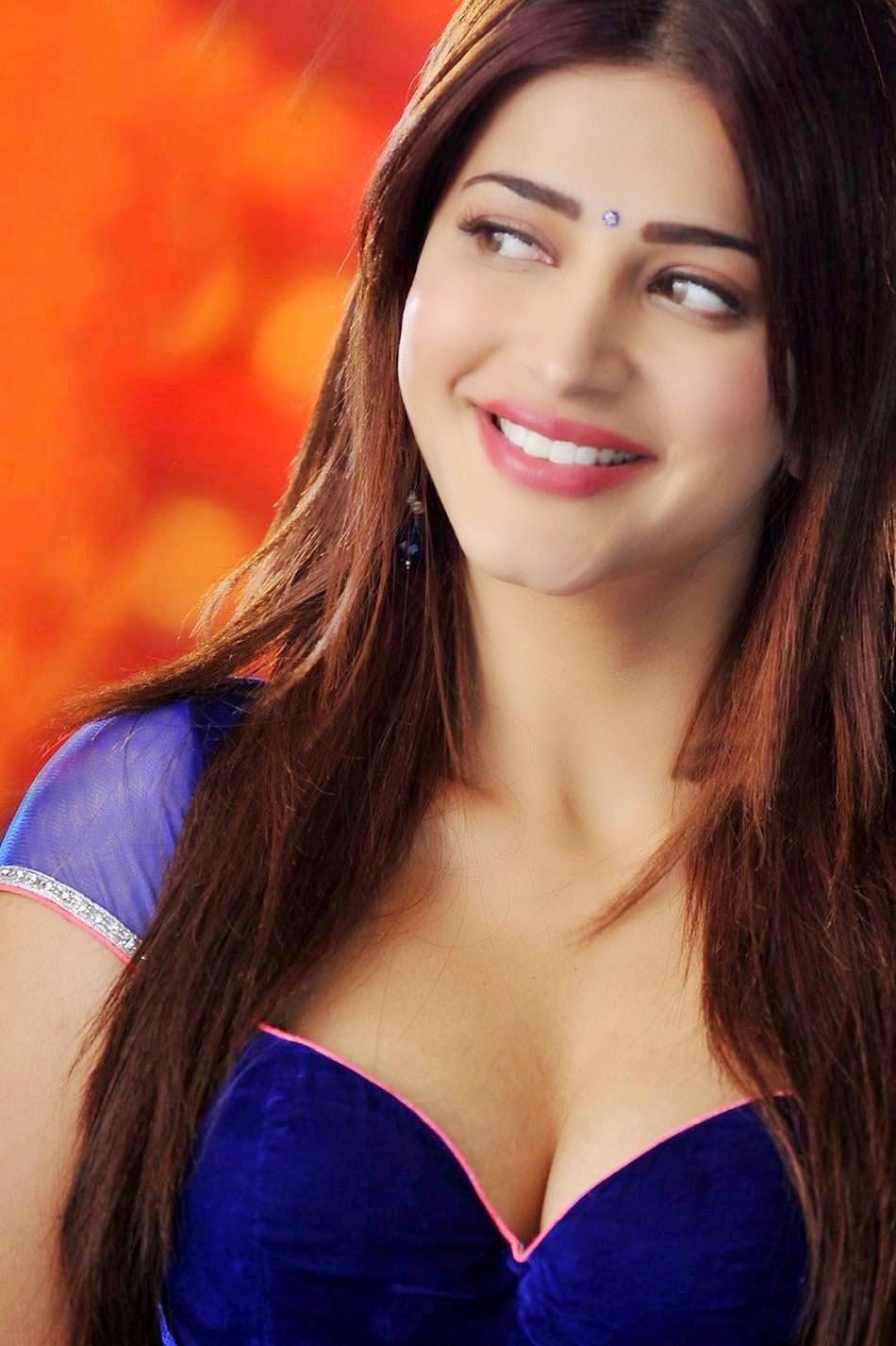 Katrina Kaif Shruti Deep Cleavage Show Pics 2014-9259
