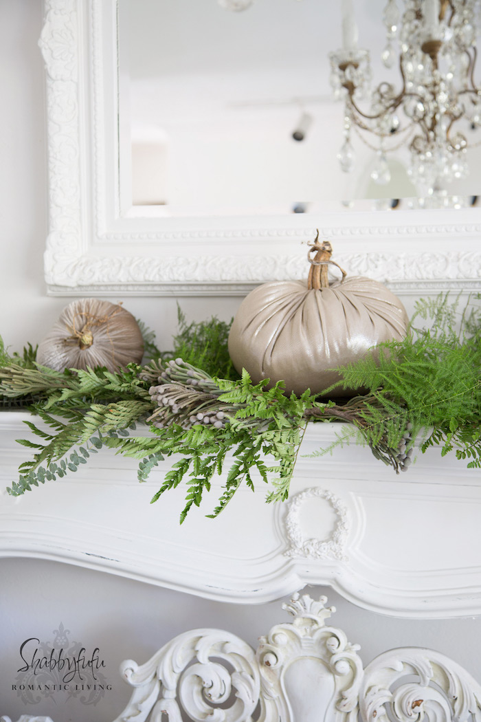 french country style holiday decorating