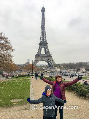 çocukla Eyfel kulesi'ne çıktık, Paris