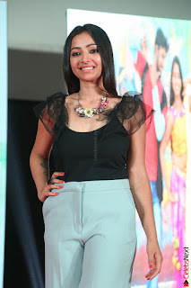 Swetha Basu in a Black Sleeveless Top Long Skirt at Mixture Potlam Movie Audio Launch 003.JPG