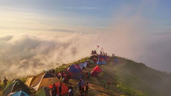 Wisata Bandung Barat Gunung Bendera, Padalarang