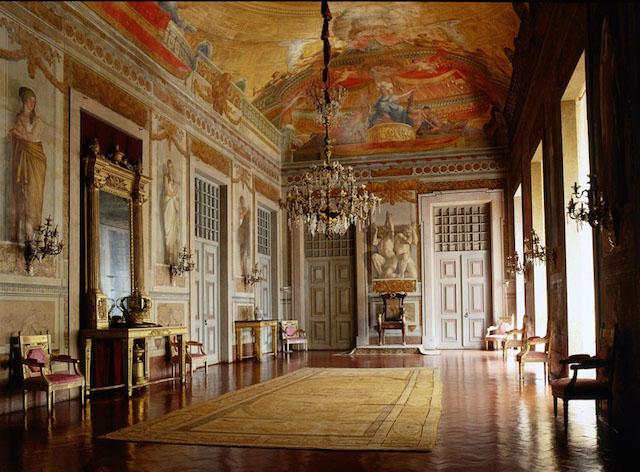 Sala do Trono no Palácio Nacional de Mafra