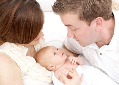 Các nguyên nhân trẻ hay khóc đêm và việc các mẹ nên làm