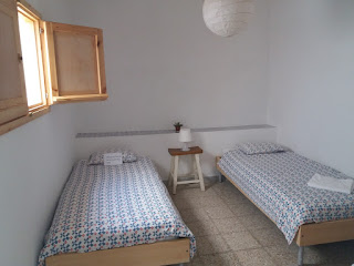Photo of a twin room in Sol y Mar hostel in Corralejo