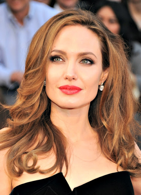 Angelina Jolie - Beautiful Actresses In The World