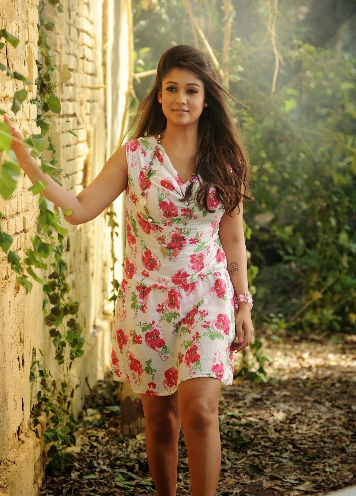 High Quality Bollywood Celebrity Pictures Nayantara -5055