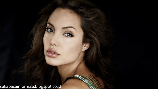 Koleksi Foto Angelina Jolie