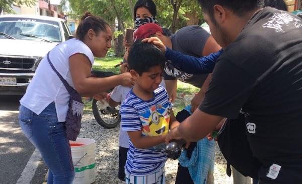 Gendarmería de EPN golpeó a maestros y niños en Oaxaca.