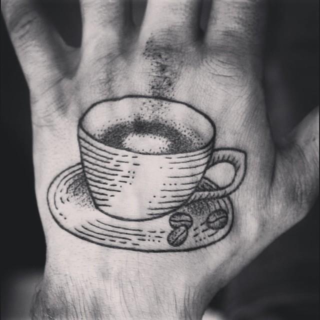 Tatuagem Masculina pontilhismo no braço