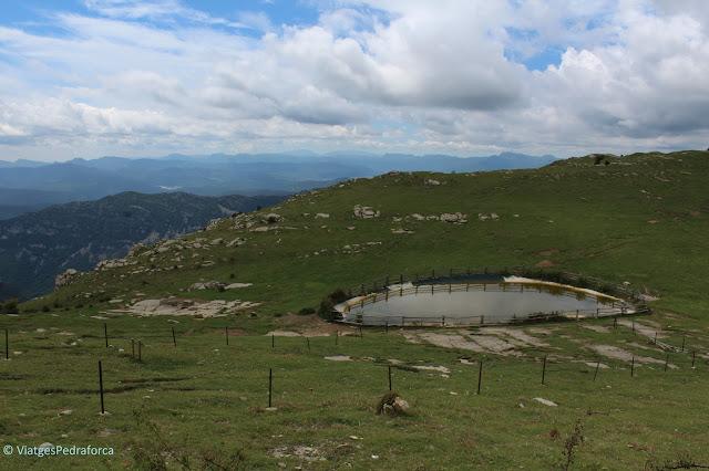 Alta Garrotxa, ruta senderista, natura, Girona, Pirineus Catalans,Catalunya, Montagut i Oix